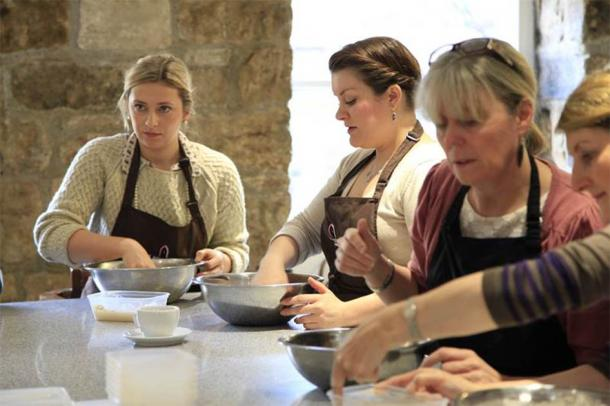 These kinds of online courses help to dispel myths about medieval food and cooking. (Blackfriars Restaurant)