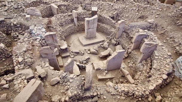 The ongoing excavations at Karahan Tepe will likely reveal more T-shaped obelisks at the center of the site like these at Göbekli Tepe. (Joaquin / Adobe Stock)
