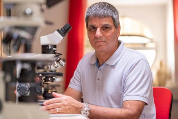 Prof. Eliezer Oren of the Ben-Gurion University of the Negev (BGU), who tested the royal seal and testified that it was not a fake. (Ben-Gurion University of the Negev)