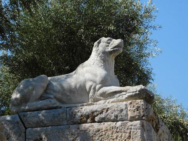 Throughout history there have been many famous dogs. Dog statue in Keramikos cemetery in Athens, Greece. (Konstantinos / Adobe Stock)