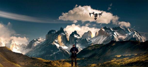 Jono Adams, wildlife photographer and aerial videographer in North American landscape flying a drone. (Image: © jonoadams.com)