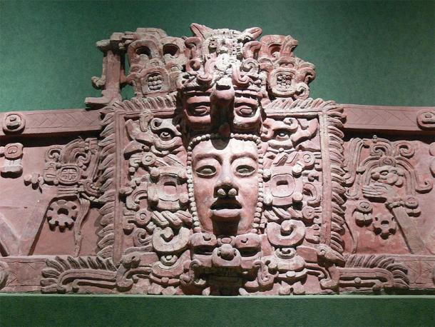 A Maya mask / stucco frieze from Placeres, Campeche. Early Classic period on show in the National Museum of Anthropology in Mexico City. (Wolfgang Sauber / CC BY-SA 3.0)