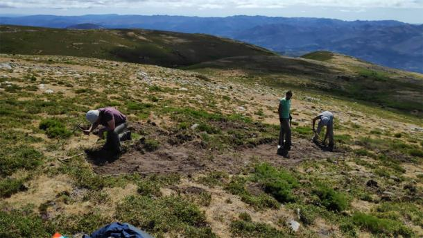 The researchers used high-tech aerial scans and imaging to much more easily find what was long ago hidden from sight beneath the soils of Northern Spain. (RomanArmy.eu)