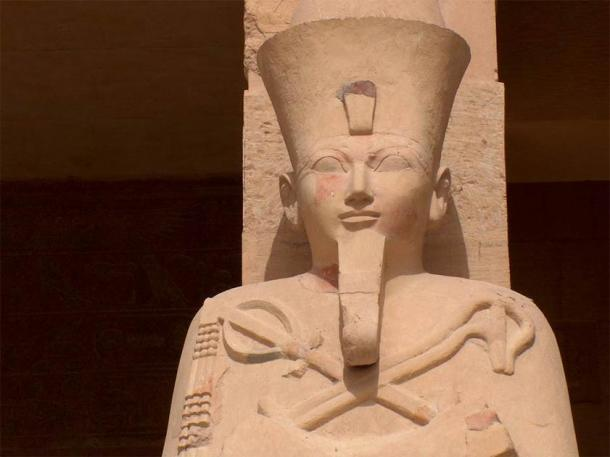 Statue of Hatshepsut at her temple at Deir el-Bahri. (sootra /Adobe Stock)