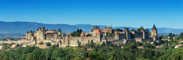 Medieval castle complex (Carcassonne Fortress) in France. (ThomasLENNE / Adobe stock)