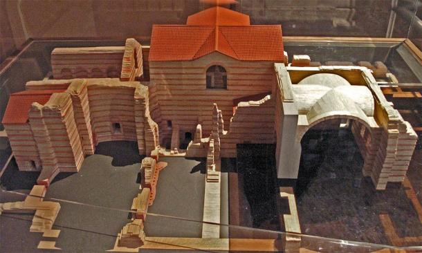 Model of Thermes de Cluny showing the major elements of the baths. (CC by SA 2.5)