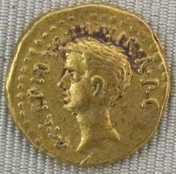 Aureus of Lepidus, c. 42 BC (I, Sailko/ CC BY-SA 3.0)