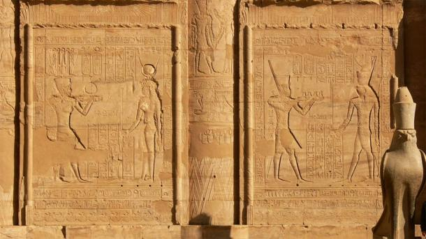 Closeup of the left side of Temple of Edfu pylon and its elaborate inscriptions (Walwyn / Flickr)
