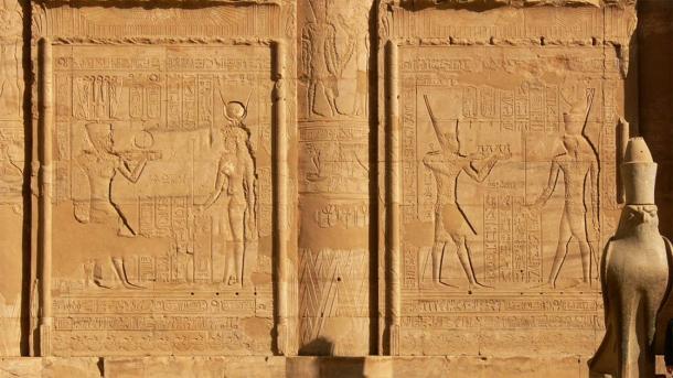 Closeup of the left side of Temple of Edfu pylon and its elaborate inscriptions (Walwyn / Flickr)