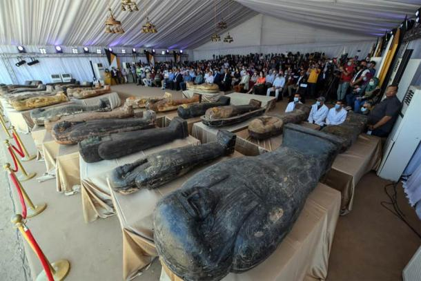 At a major national press conference, announcing the new Saqqara finds. (Ministry of Tourism and Antiquities)