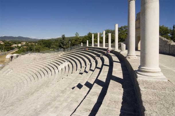 The ancient theatre of Vaison La Romaine (Olivier-Tuffé / Adobe Stock)