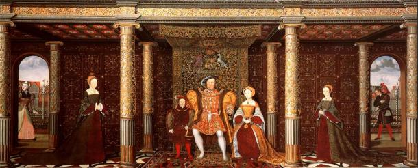 Painting depicting the family of Henry VIII, showing his court jester Will Sommers on the right. Sommers was the most famous of the king's court jesters and held high favor with him, remaining in his service until the end of his life. (Public domain)