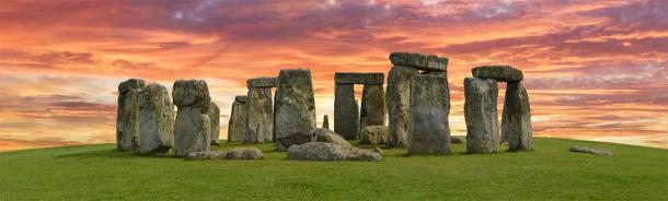 Can you imagine Stonehenge being replaced by a Stonehenge LEGOLAND? It sounds crazy but this idea was actually seriously explored! (TeamDaf / Adobe Stock)