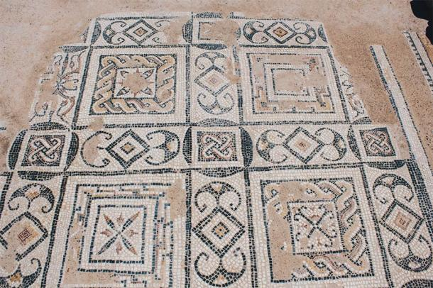 Mosaic - Roman ruins of ancient Nora – Sardinia (Alessandro / Adobe Stock)