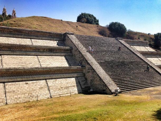 The Great Pyramid of Cholula. (juancramosgonzalez /Adobe Stock)