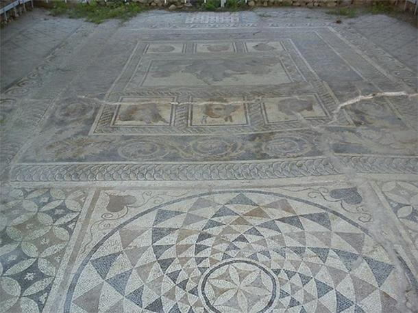House of Dionysos Mosaic is the largest preserved mosaic found in excavations in Dion, depicting the epiphany of the triumphant Dionysus. (Rjdeadly/ CC BY-SA 4.0)