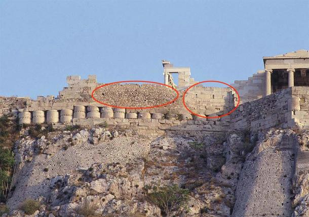 Evidence of reconstruction phases in the Athenian Acropolis' cyclopean wall. The older, much more precise Category 2 and 3 ashtar masonry to the right, with the latter, clearly rougher, Category 1 stonework, no doubt added after a routine destruction of the Acropolis. Notice the use of column drums in the wall, fitted above more Category 2 masonry - this is also present at other misinterpreted ancient sites, like Baalbek, Lebanon. (YSMA / edited by author)