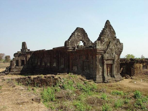 """The lower terrace """"palace"""" at Vat Phou Temple (Michael Gunther / CC BY-SA 4.0)"""