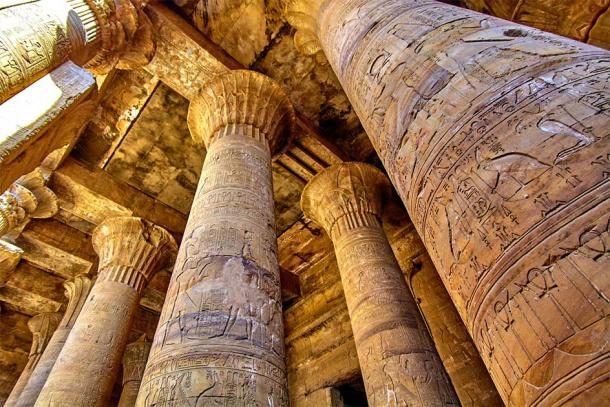 The magnificent columns of the Temple of Edfu. (EwaStudio / AdobeStock)