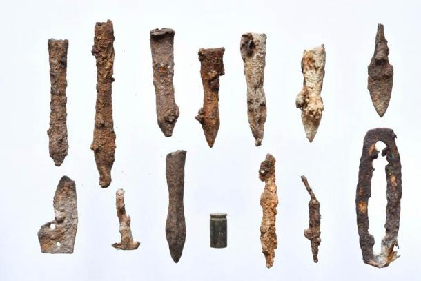 Arrowheads and crossbow bolts recently found at the ancient battlefield in Poland. (PAP Foundation)