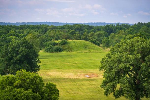 The population of Cahokia, a major pre-Colombian Native American urban settlement, was abandoned around 1300. Some argue that climate change caused floods and a demise of agriculture. (Zack Frank / Adobe Stock)