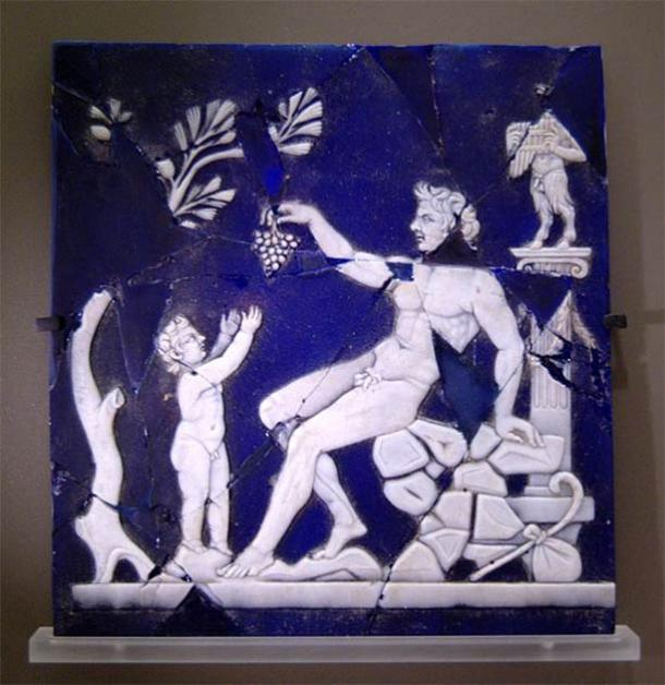 Satyr giving a grapevine to Bacchus child. Cameo glass, 1st half of the 1st century. From Italy. (Public Domain)