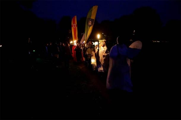 A torchlight procession to the Hill of Wards on Samhain. (Púca Festival)