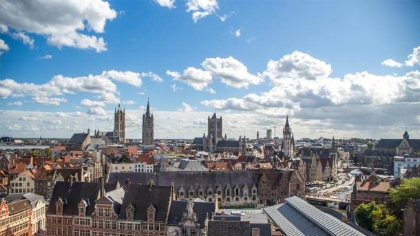 View of Ghent from the top of the Gravensteen Castle, Belgium (woojin / Adobe Stock)