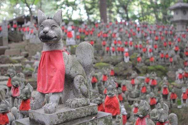 Inari Ōkami the fox goddess is perceived differently by different groups of worshippers, and is represented either as male, female or androgynous. (Public domain)