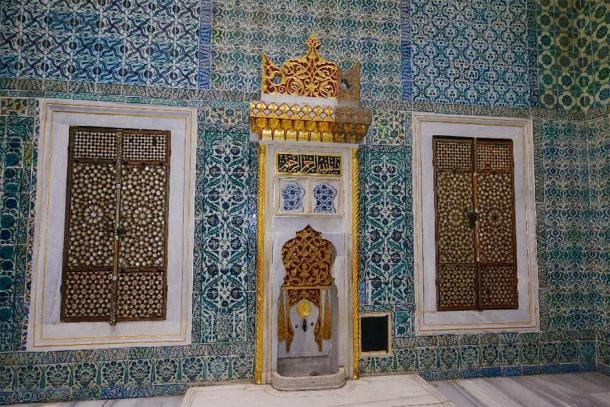 Hall with a Fountain in the Harem vestibule where princes and consorts waited to enter the Sultans Imperial Hall Topkapi Palace Istanbul. (Reimar /Adobe Stock)