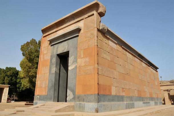 Hatshepsut's Red Chapel at Karnak Temple. (camerawithlegs / Adobe stock)