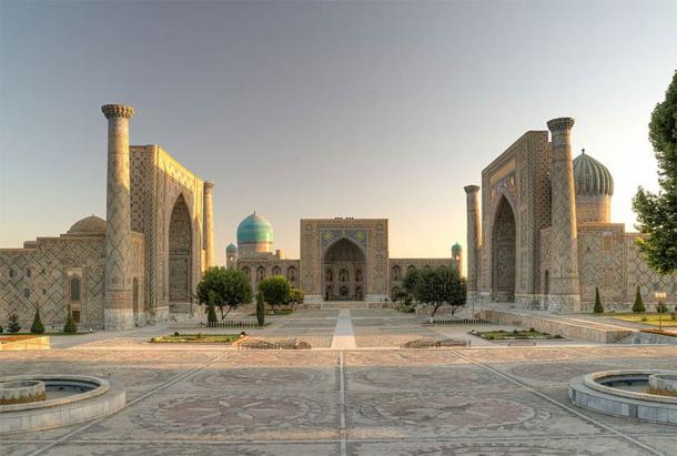 The public square in Registan, in the heart of the ancient city of Samarkand, is surrounded by three madrasas (Islamic schools), one of which is the Ulugh Beg Madrasah built by Ulugh Beg during the Timurid dynasty. (Ekrem Canli / CC BY-SA)