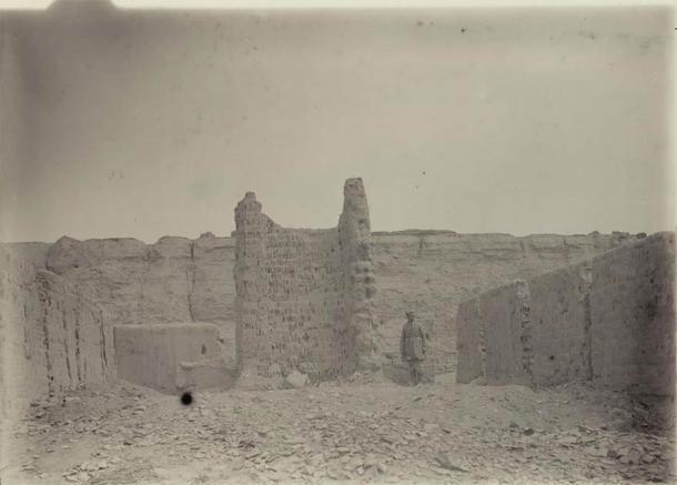The ruins of Khara Khoto in 1914. (Public Domain)