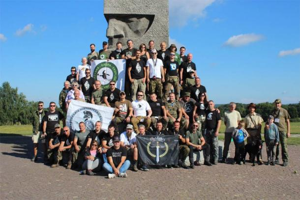 Every year the museum dedicated to the Battle of Grunwald organizes a mass research metal detector sweep of the battlefield site with the help of a large group of volunteers. This year was the seventh year they conducted the battlefield event. (Muzeum Bitwy pod Grunwaldem)