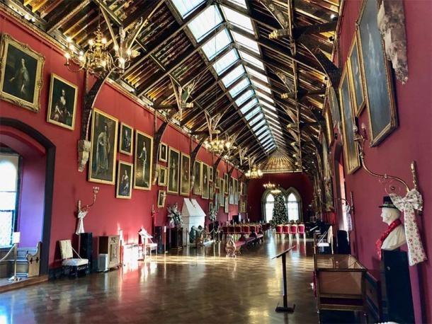 The magnificent Butler gallery of Kilkenny Castle (Public Domain)
