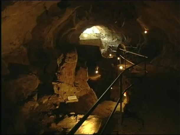 Inside the entrance of the Ghar Dalam cave and museum in Malta. (Provided by author)