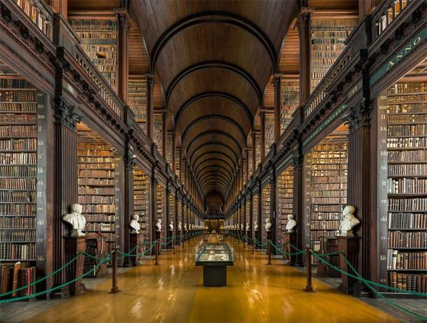 Trinity College old library. (Provided by the author)