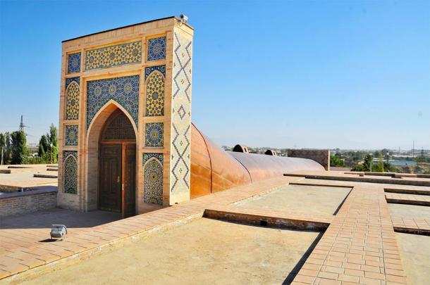 Entrance of the Ulugh Beg Observatory in Samarkand, Uzbekistan, famed as one of the pre-eminent observatories in the Islamic world. (robnaw/ Adobe Stock)
