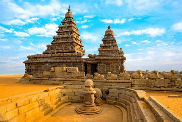 The famous Shore Temple near Mahabalipuram, which was commissioned by Narasimhavarman II Rajasimha. (Alisa / Adobe Stock)