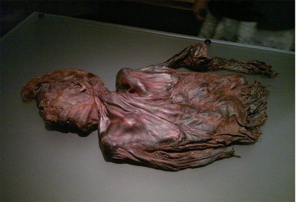 Bog body Clonycavan Man at National Museum of Ireland, Dublin, around 4th or 3rd century BC.( CC BY SA 2.0 )