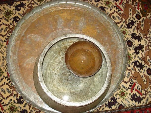 Ancient Persian clock in Qanats of Gonabad Zibad. (Public Domain)