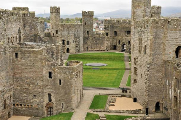 Inside of Caernarfon Castle. (Oleksandr Umanskyi / Adobe Stock)