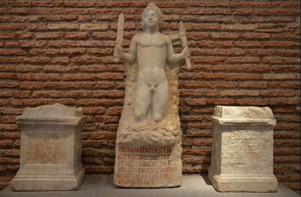 Rock-born Mithras and two altars dedicated to Cautes (left) and Cautopates (right), from the Mithraeum under Santo Stefano Rotondo in Rome, from 180 until 192 AD, National Museum of Rome, Baths of Diocletian (CC BY-SA 2.0)
