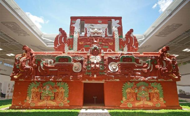 The life-size replica of Rosalila Temple at the Copán site museum, Honduras. (Talk2winik / Public Domain)
