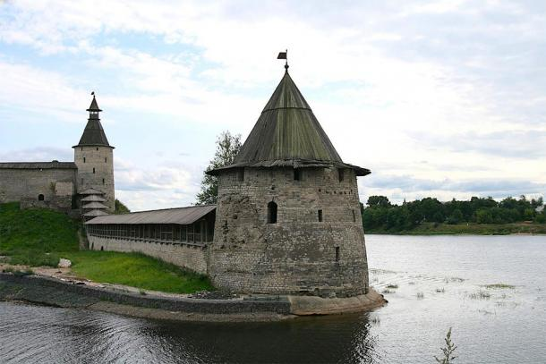 View of part of the moat built around the Kremlin. (Ludvig14 / CC BY-SA 3.0)
