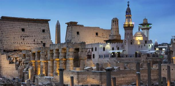 The Mosque of Abu Haggag can be seen in the courtyard of Ramesses II at the Luxor Temple. (inigolaitxu / Adobe stock)