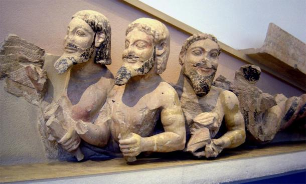 Triple-Bodied Monster on the west pediment of the Old Temple of Athena. (Ricardo André Frantz / CC BY-SA 3.0)