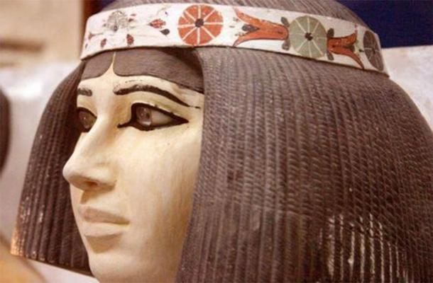 Nofret, wife of prince Rahotep, half-brother of Khufu (4th dynasty, c. 2600 BC). (Egyptian Museum, Cairo / Provided by the author)