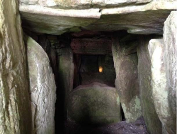 A picture I took of the inside of Cairn T. © LPOBryan