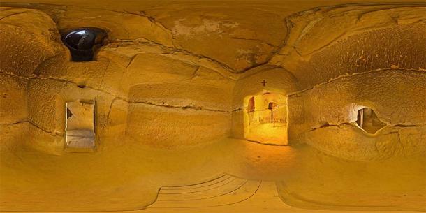 Interior of the Temple of Sinca Veche in Romania. (Misiulica / CC BY-SA 3.0)